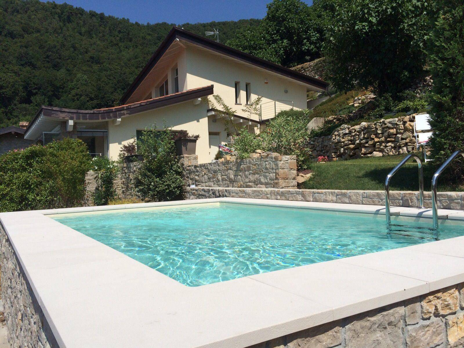 Piscine semi enterr e dolcevita gold alba for Installation piscine enterree
